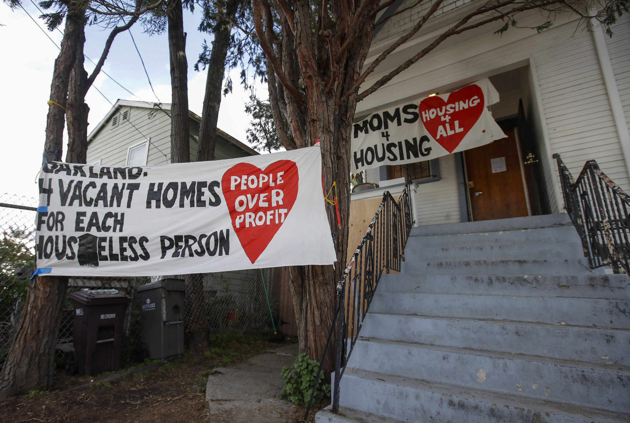 Homeless Oakland moms reach deal to buy house where they were squatting