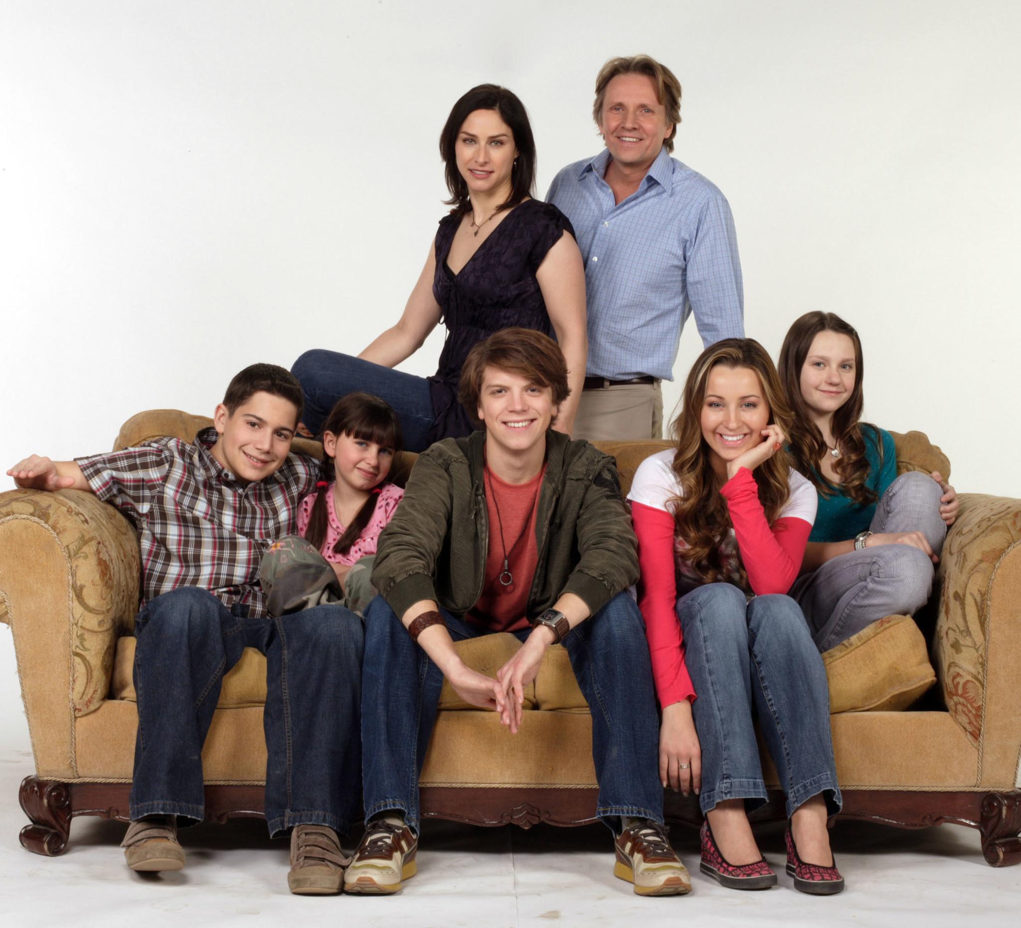 New 'Life with Derek' incest buzz decade after cancellation