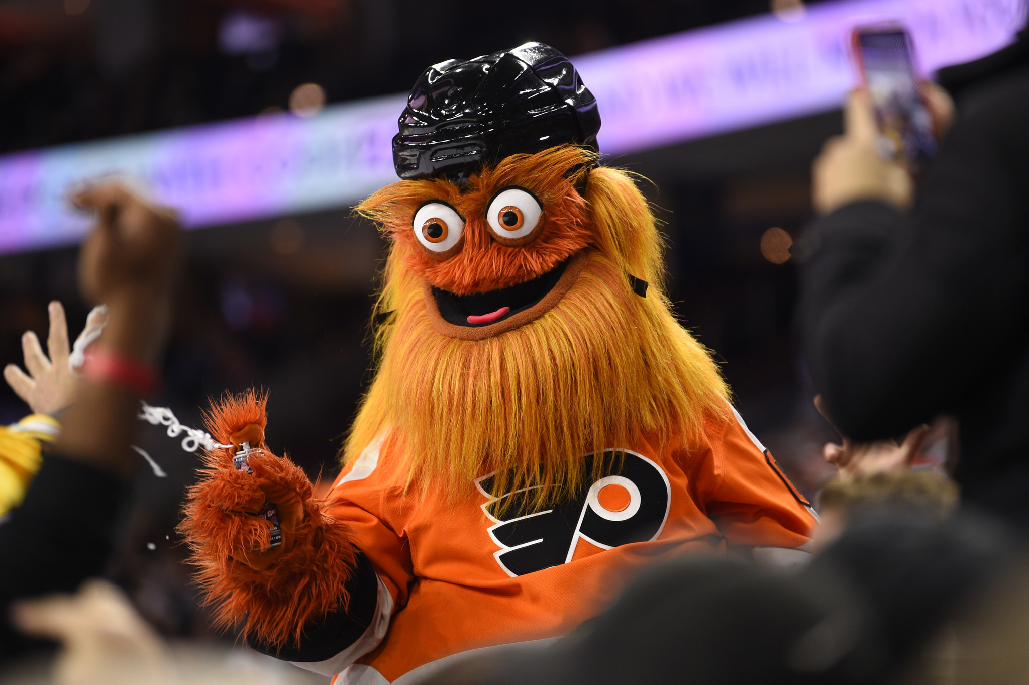 Report: Flyers mascot Gritty under investigation for assualting teen