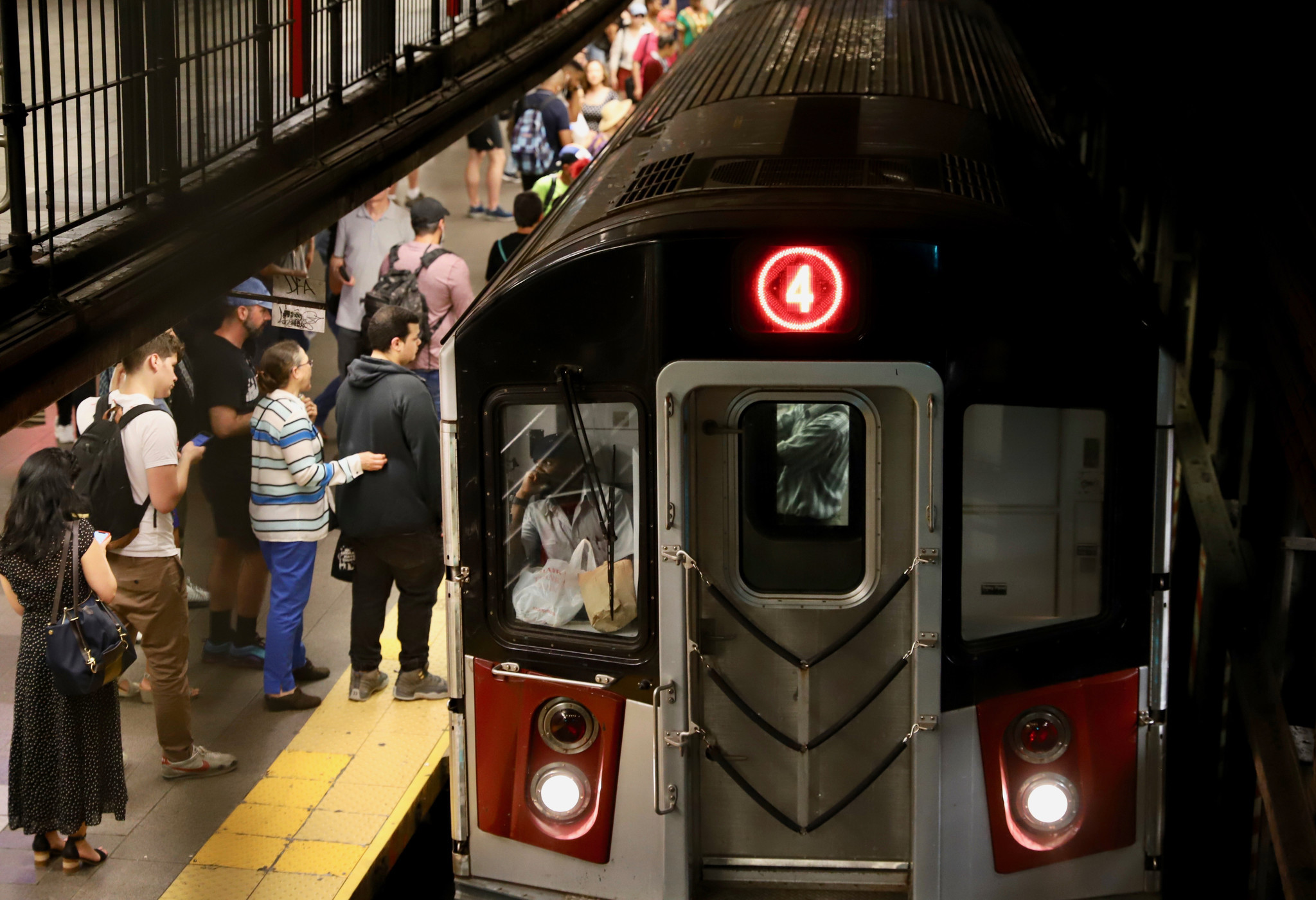 Homeless man found dead on Manhattan subway tracks, may have been struck by express train