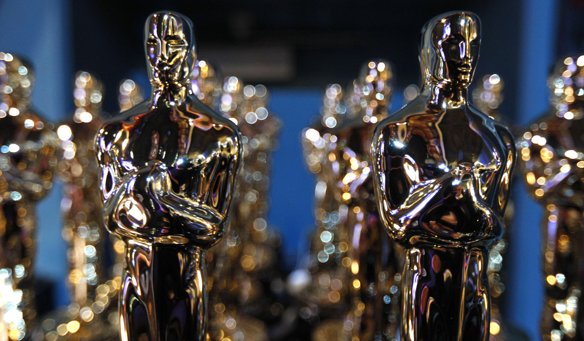 Oddsmakers are taking wagers on who takes home Academy Awards