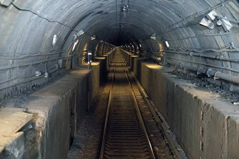 No end to this tunnel: Cable racking, not Amtrak's Gateway boondoggle, is the best way to repair the Hudson tubes