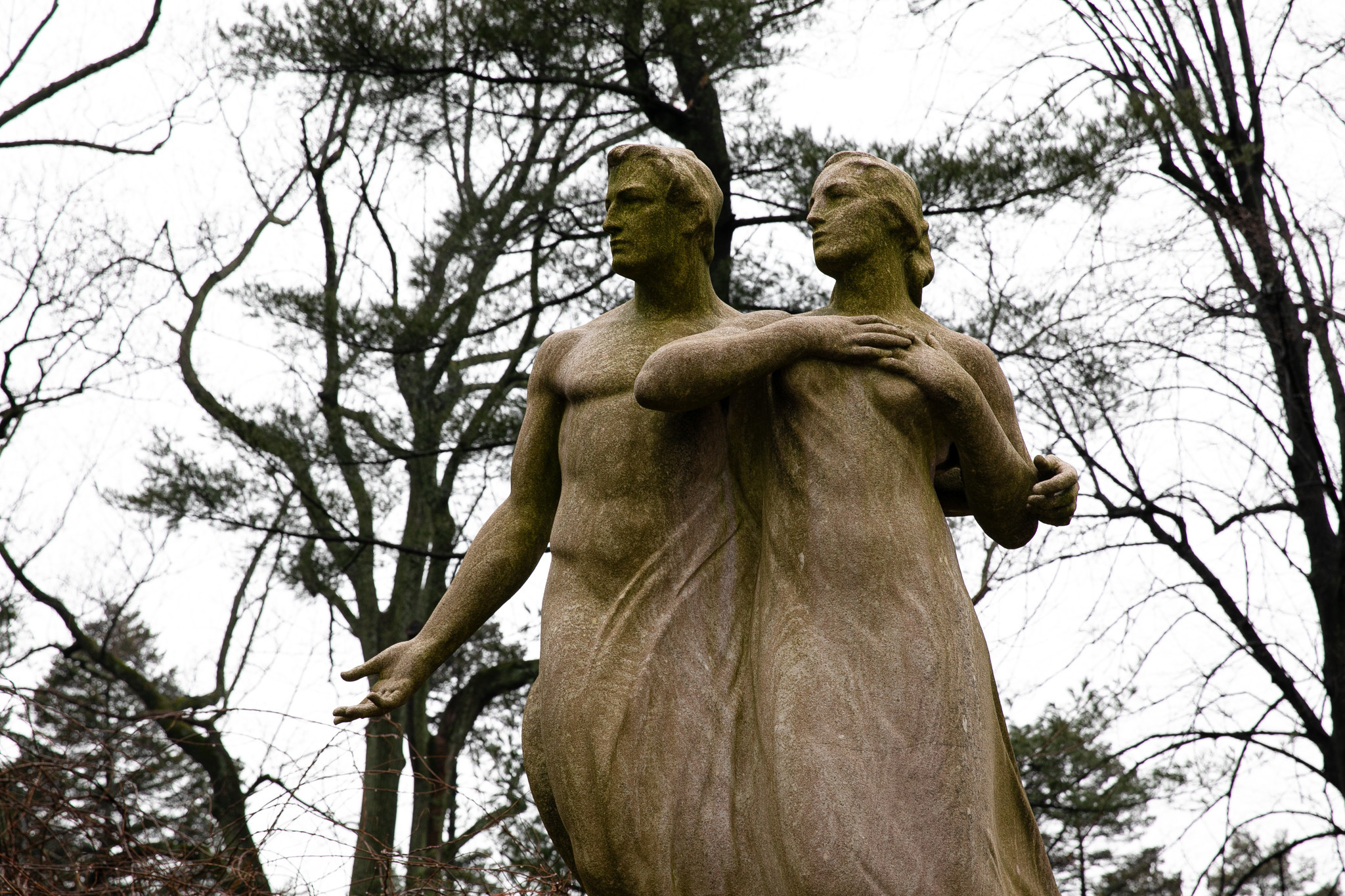 Everlasting love showcased on Woodlawn Cemetery's 'Stories of Love' trolley tour