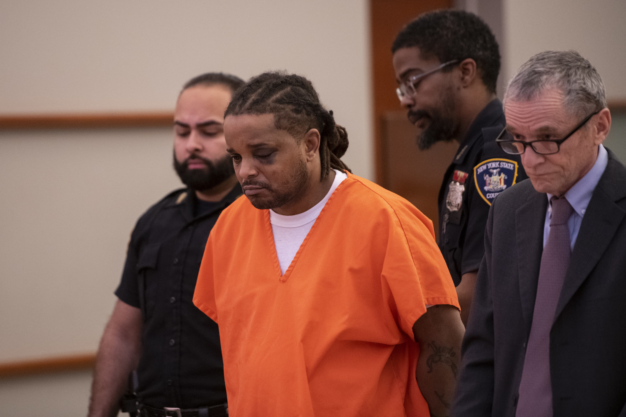 NYPD officers crowd Bronx courtroom for hearing of suspected cop shooter
