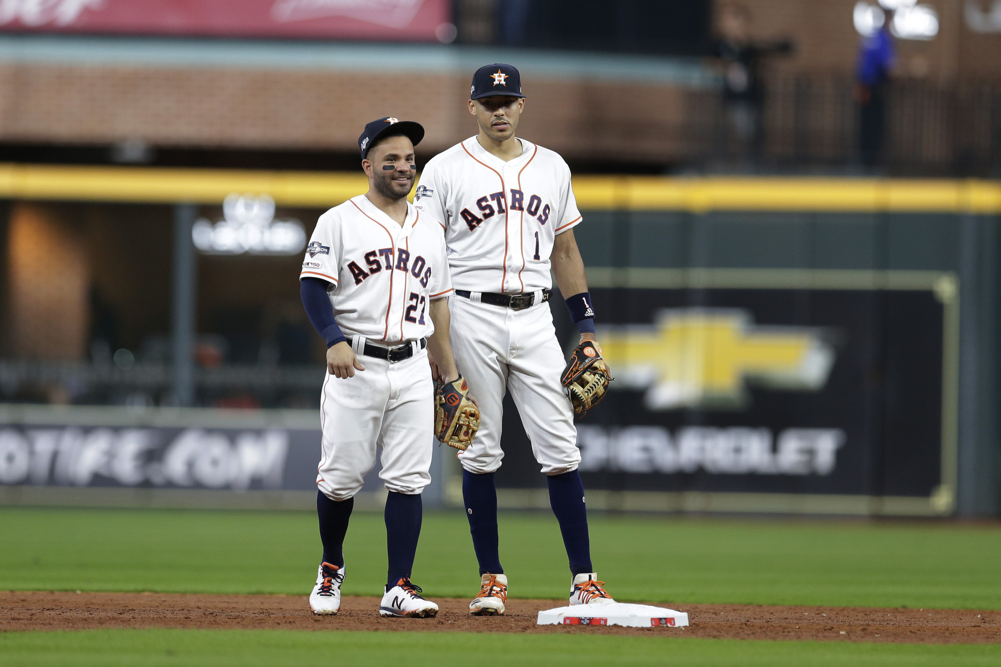 Carlos Correa rips into Cody Bellinger in defense of his Astros teammate Jose Altuve