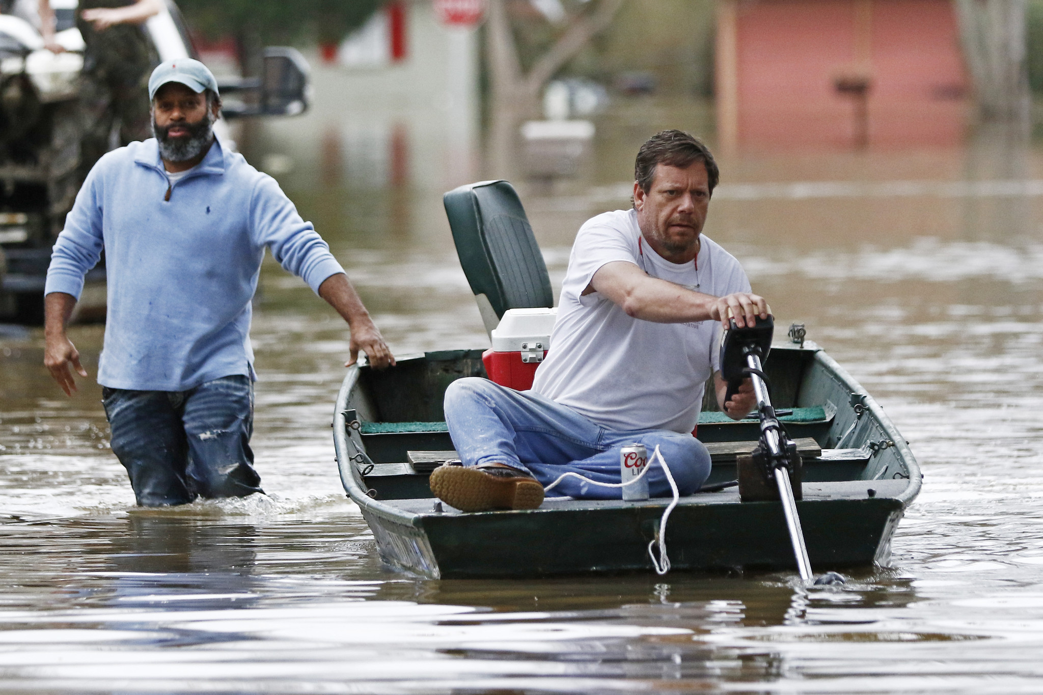 Mississippi residents flee capital ahead of historic flooding