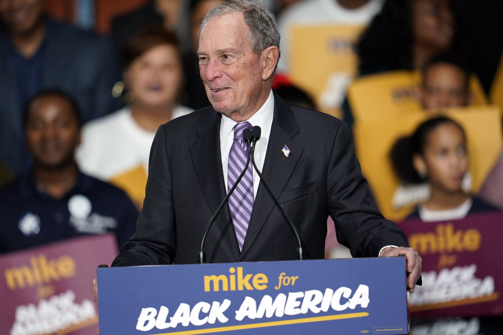 Bloomberg brings big bucks to bid in Super Tuesday states