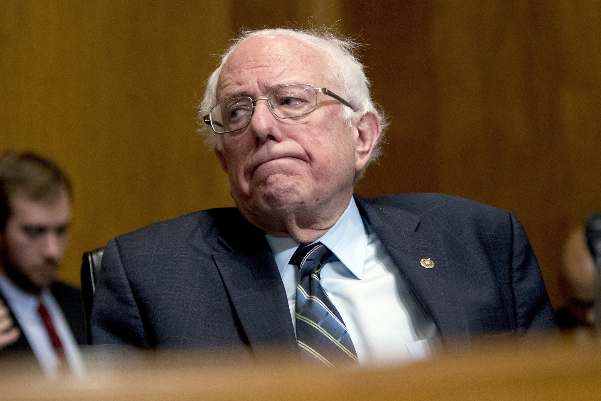 Bernie Sanders briefed by U.S. officials that Russia is trying to boost his presidential campaign