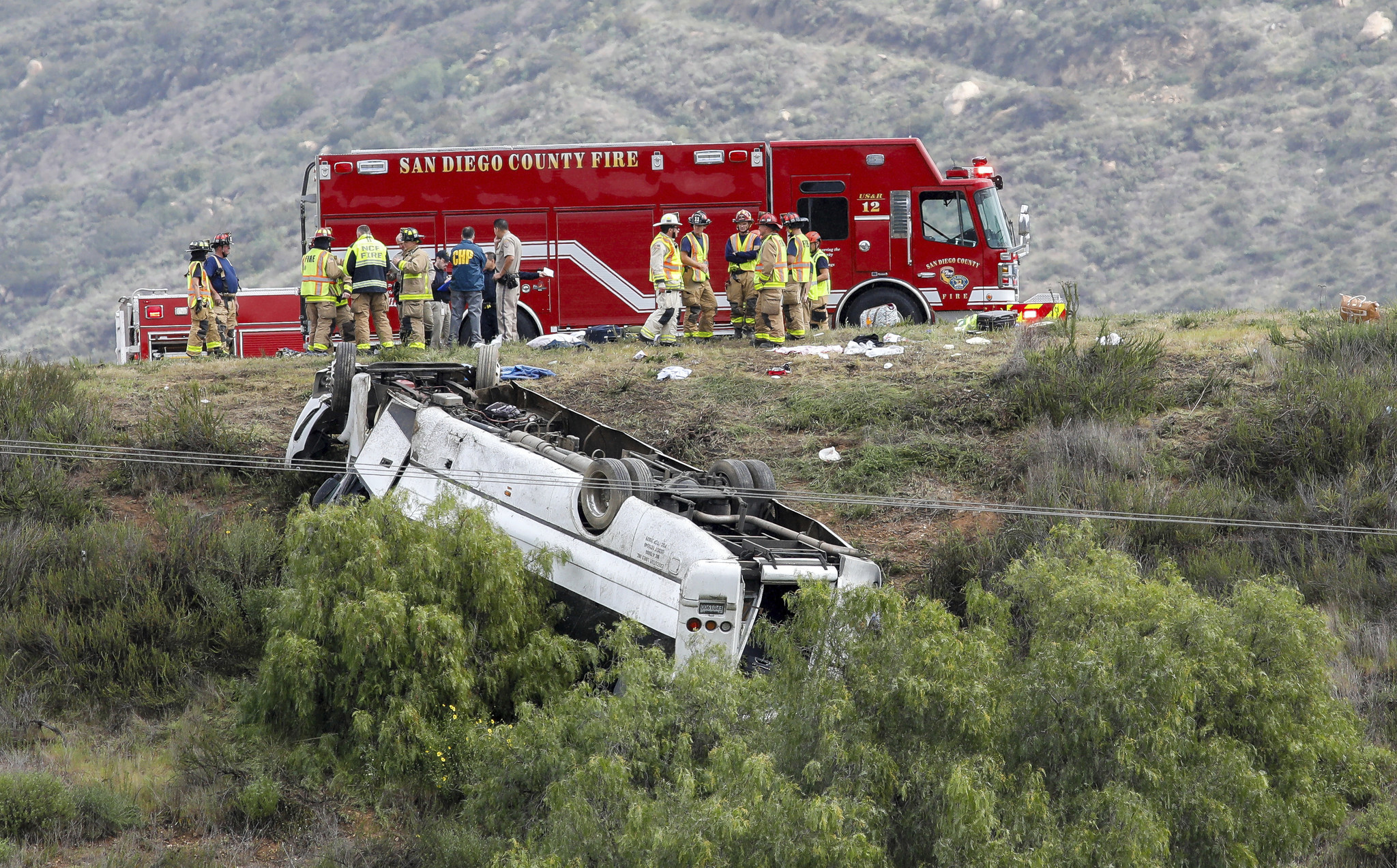 3 dead, 18 injured in bus crash on California highway