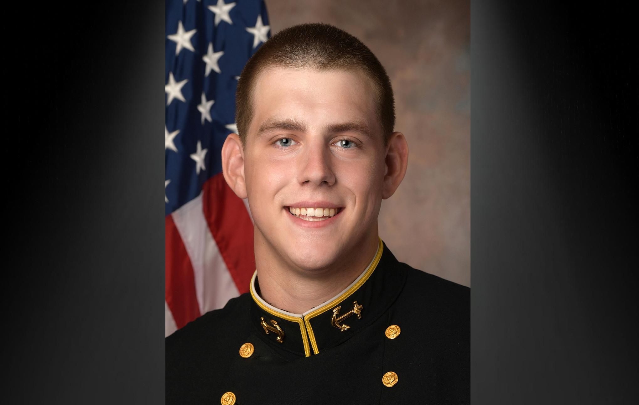 David Forney, Navy offensive lineman, dies at 22