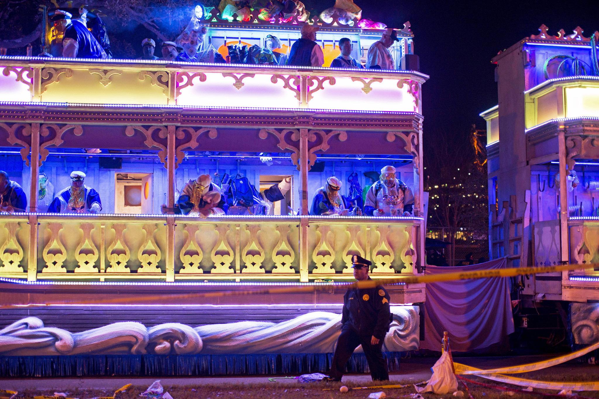 Second person killed by Mardi Gras float, New Orleans bans tandems during parade