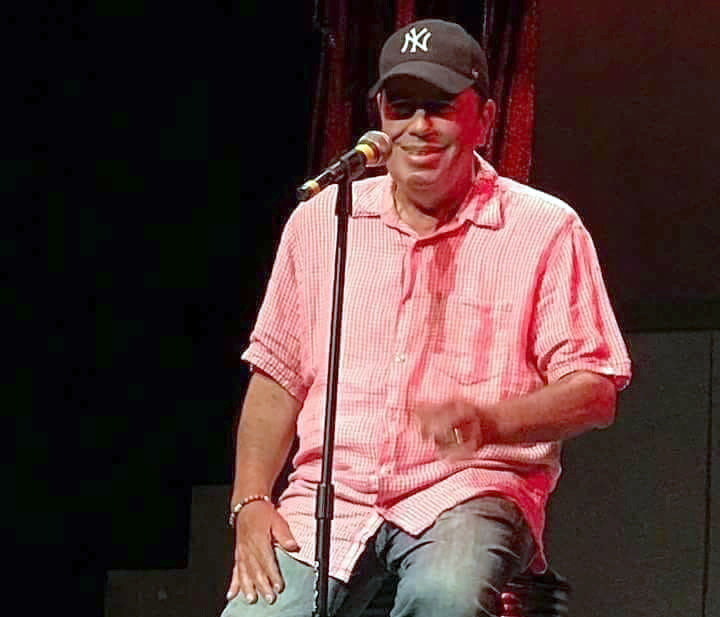 Standup comic Mike Robles returns to NYC stage to host fundraiser for his cancer treatments