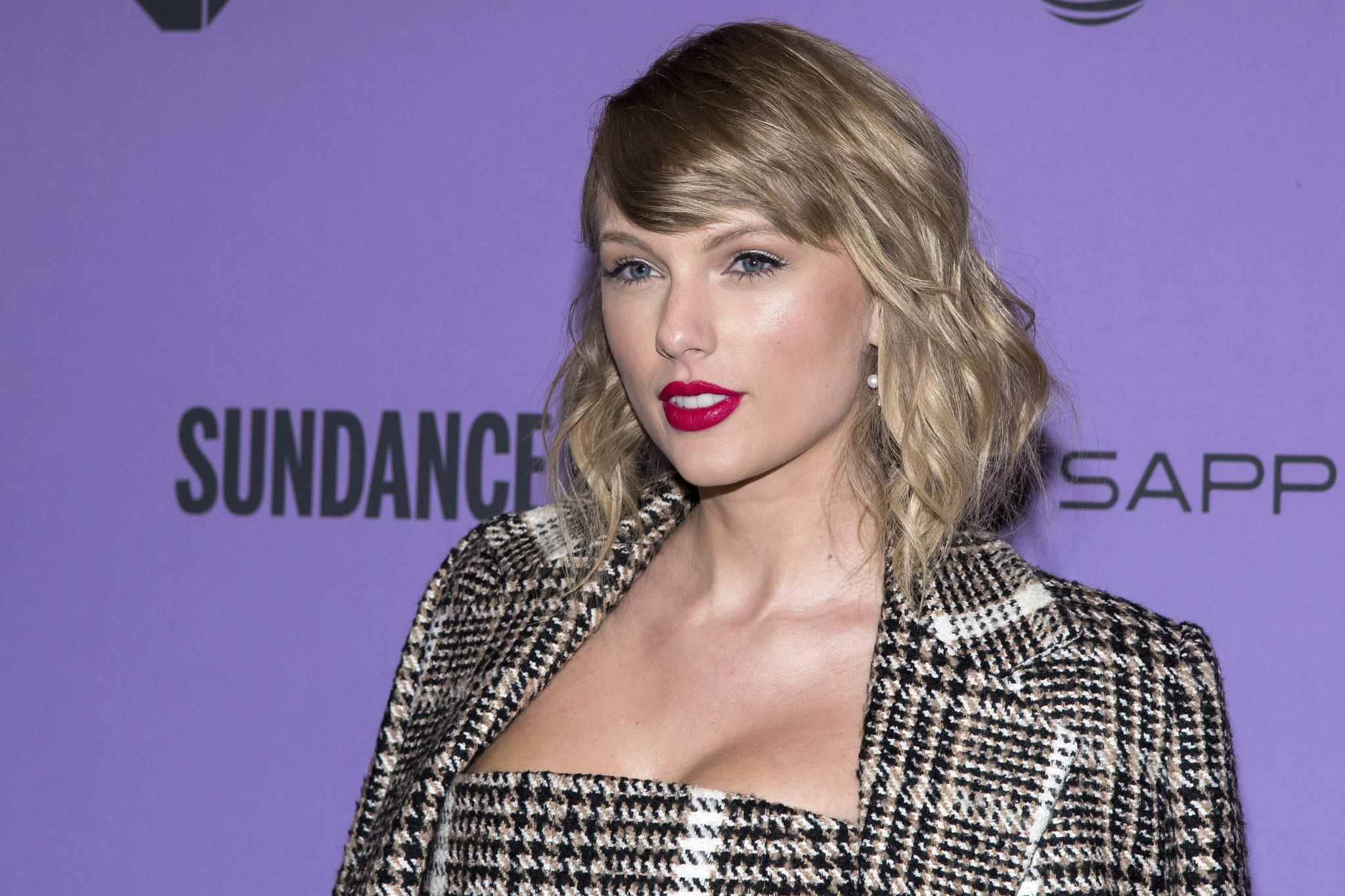 Taylor Swift donates cash to help Nashville record store through coronavirus pandemic