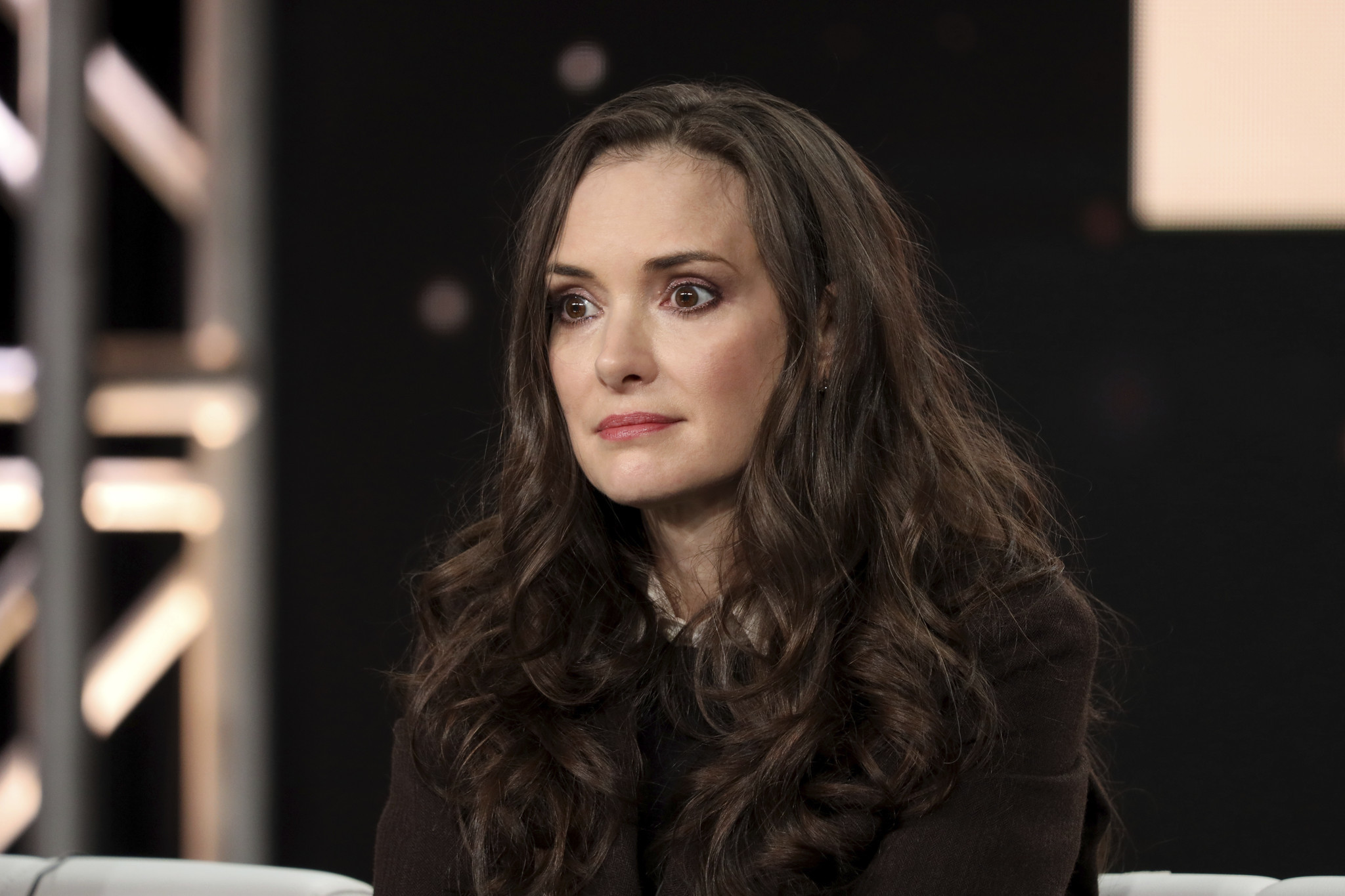 Winona Ryder defends Johnny Depp against Amber Heard's domestic abuse claims
