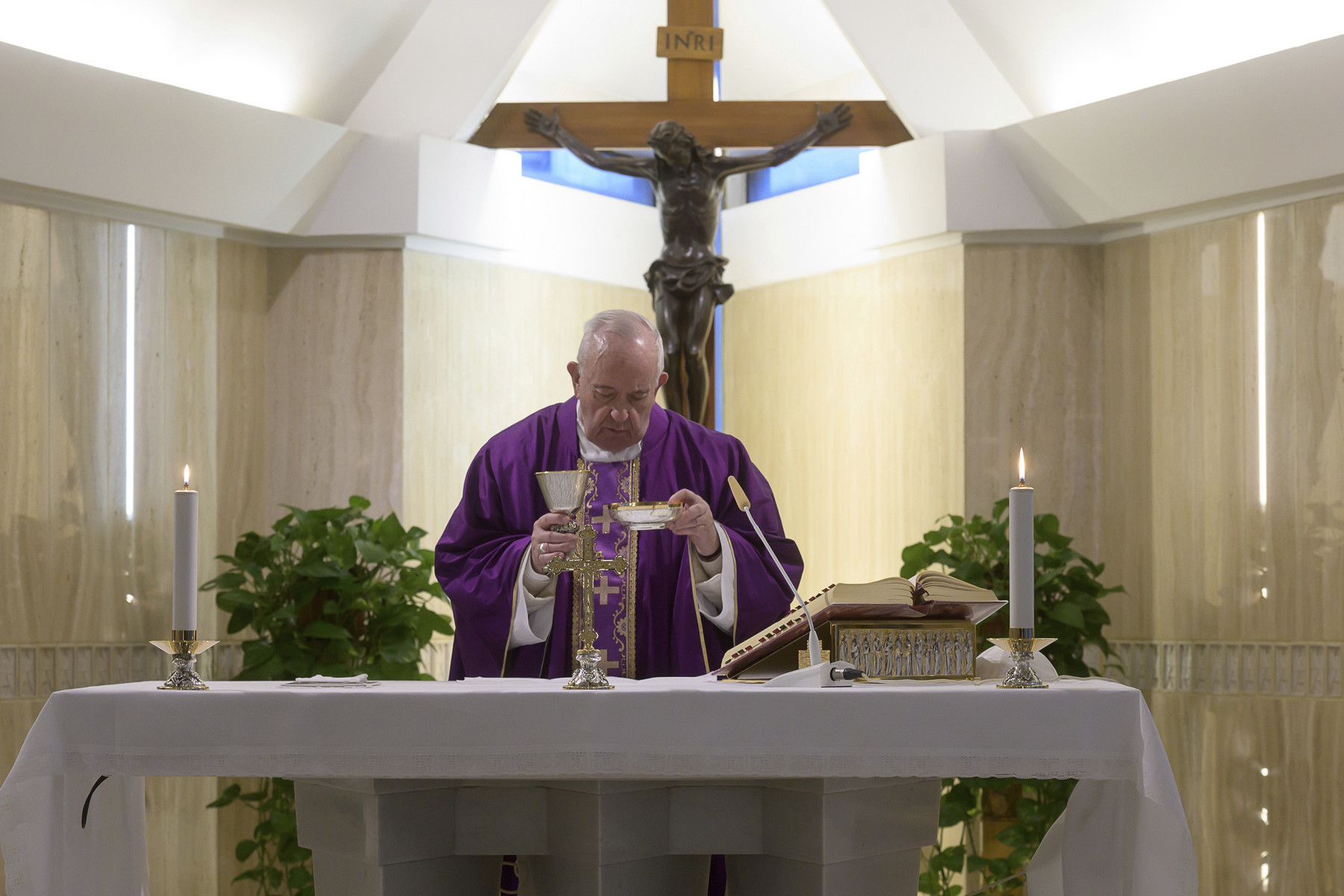 Vatican Easter services to go on without visitors amid coronavirus concerns