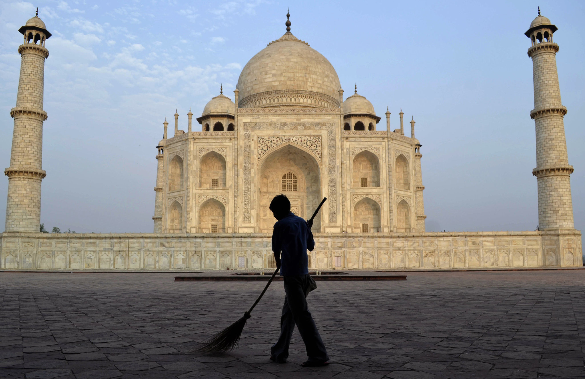 Taj Mahal closes for rest of the month due to coronavirus