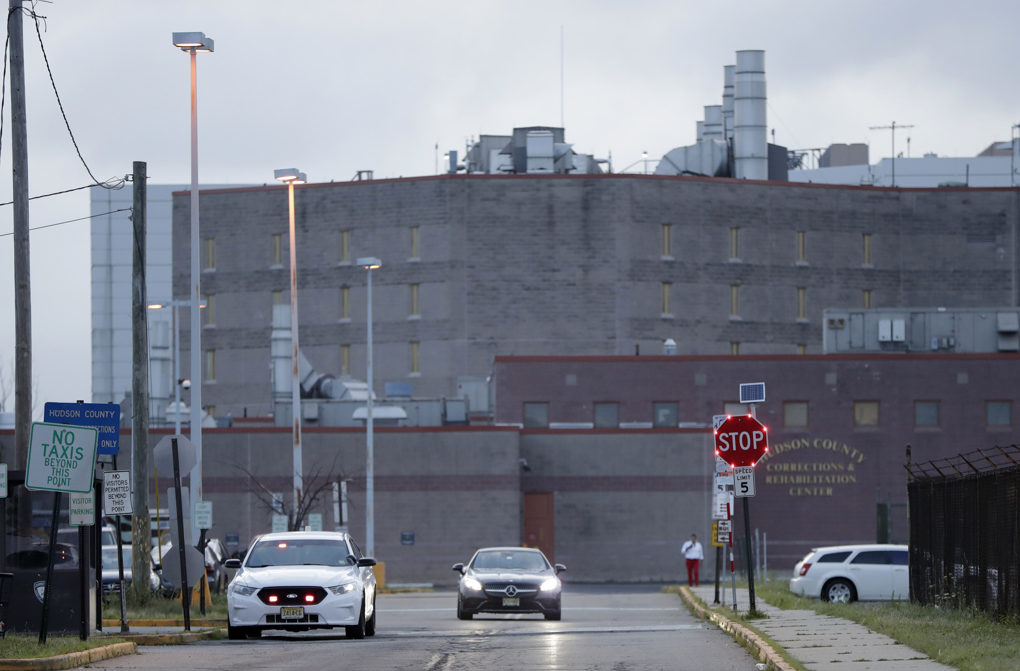 Federal judge orders release of 10 ICE detainees, calls measures to prevent coronavirus outbreak in jails 'insufficient'