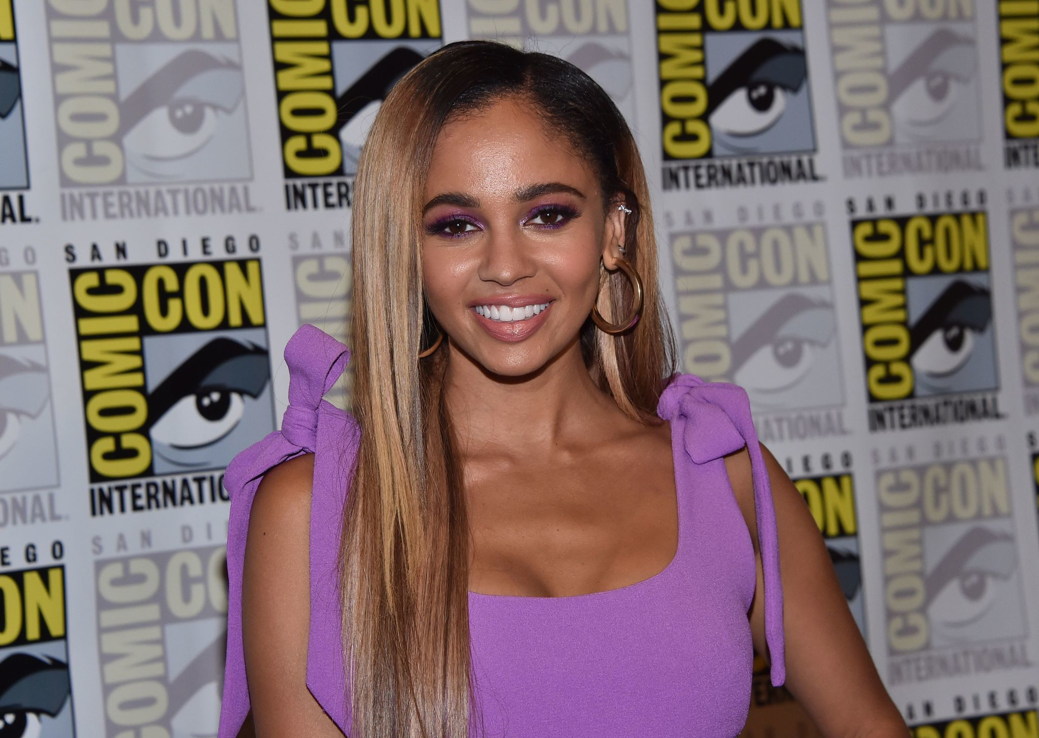 'Riverdale' star Vanessa Morgan gets a Lysol cake for her birthday