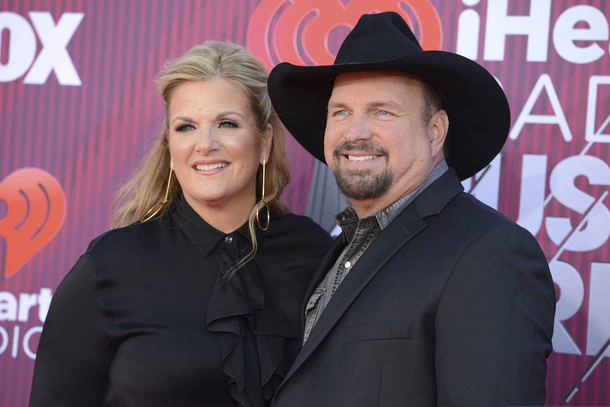 Facebook Live crashes repeatedly during Garth Brooks and Trisha Yearwood's performance