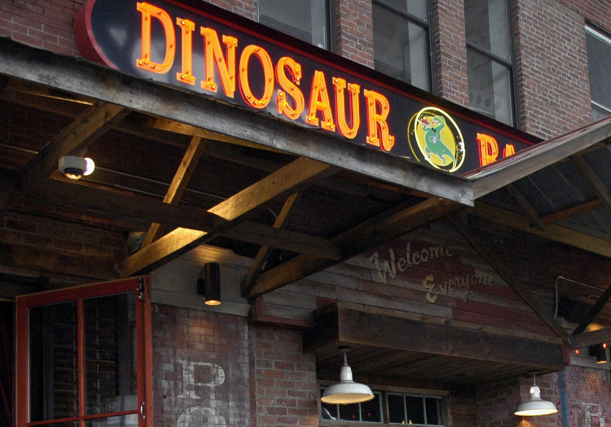 Crook breaks into Dinosaur BBQ in Harlem closed for coronavirus deep clean