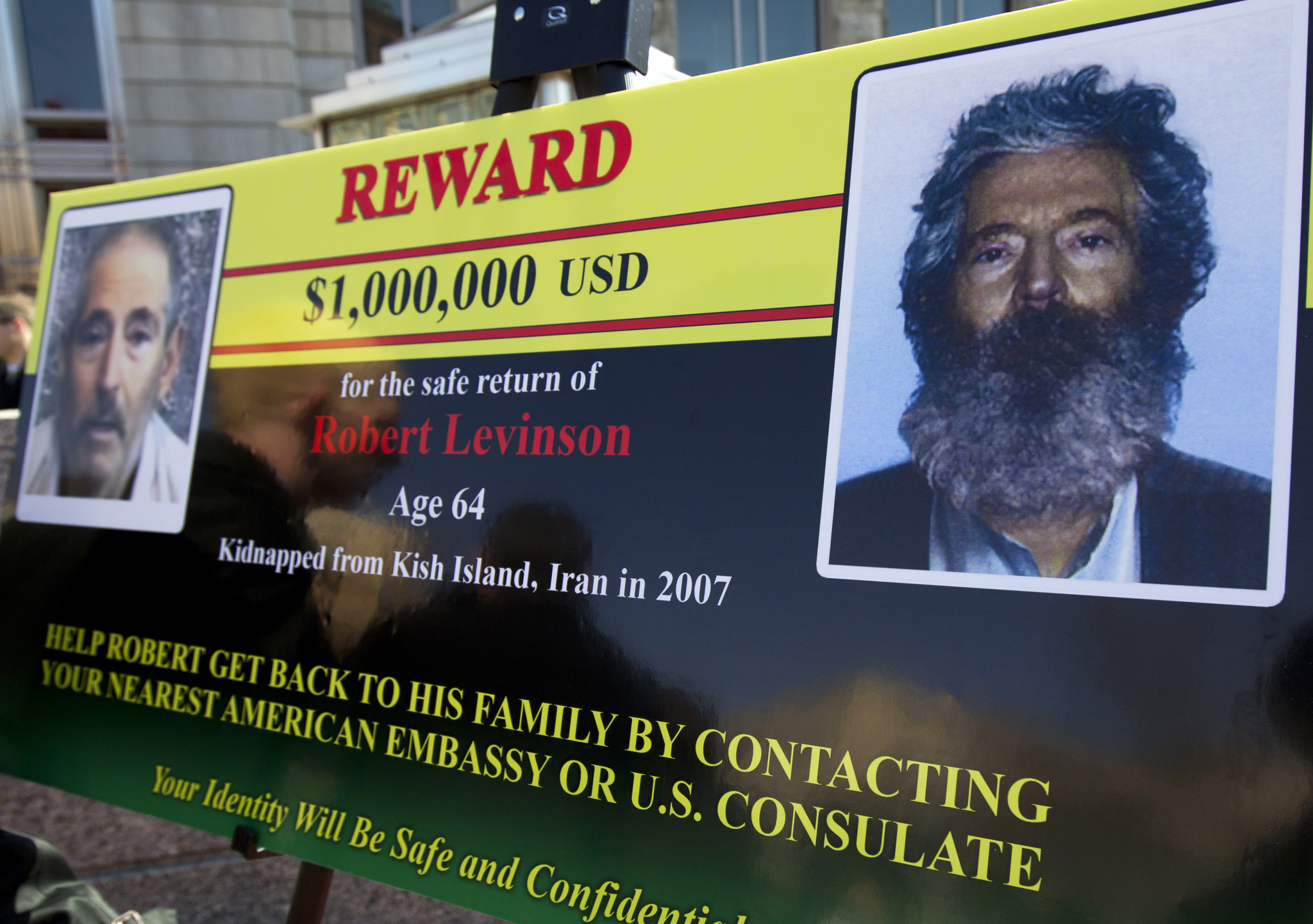 Iran denies former FBI agent Robert Levinson died in their custody after family issues statement mourning him