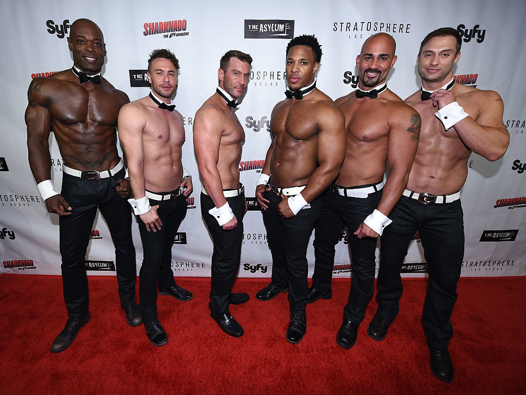 During quarantine, Chippendales Las Vegas dancers offer at-home workouts