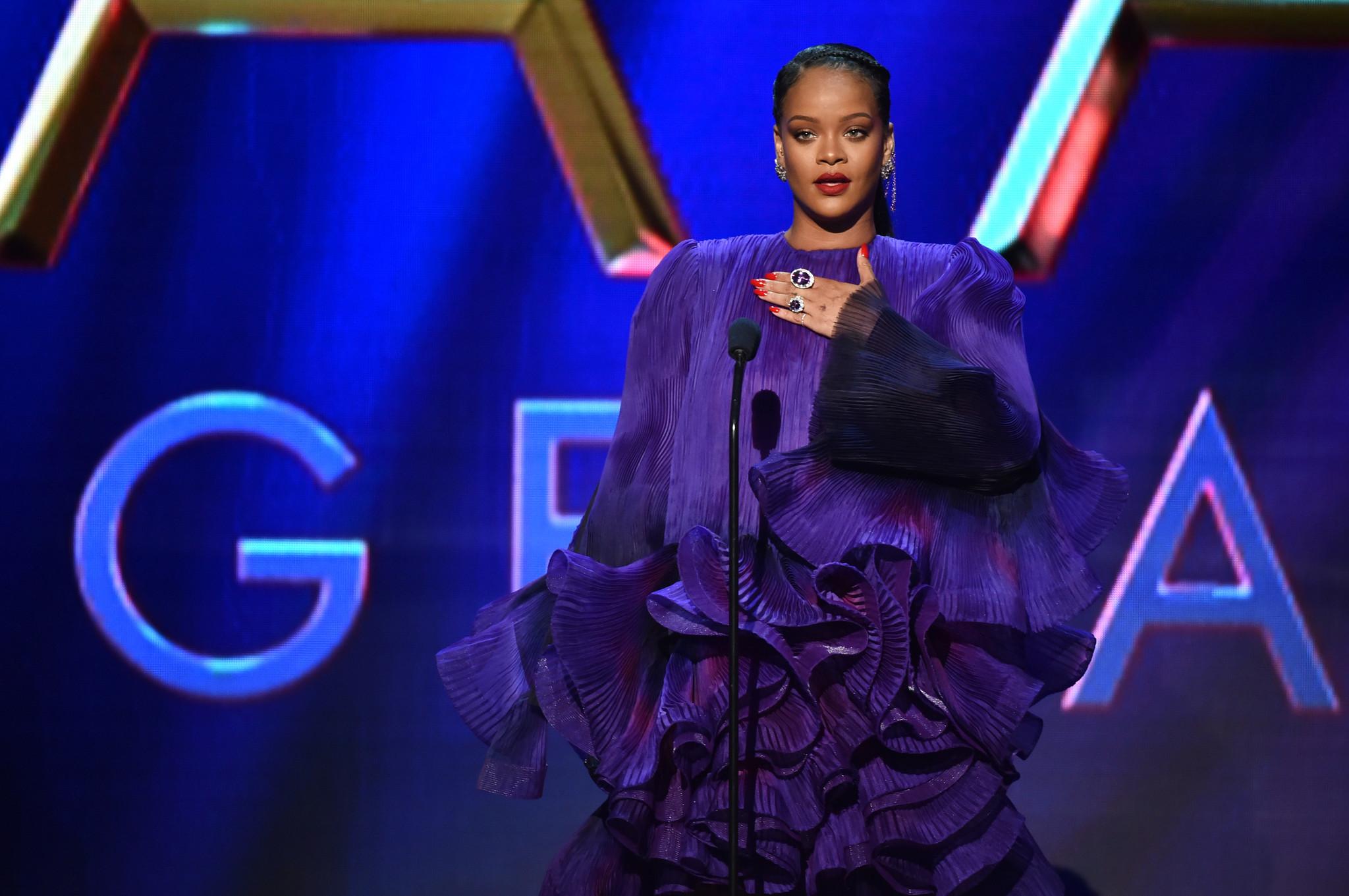 Gov. Cuomo thanks Rihanna for donating protective gear to NY amid coronavirus pandemic