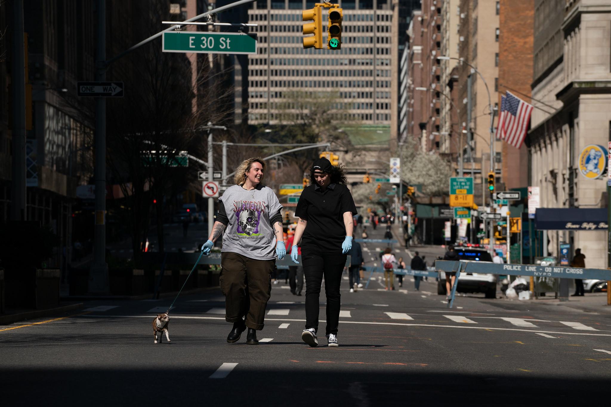 De Blasio shuts down NYC's coronavirus car ban program, defying Cuomo order