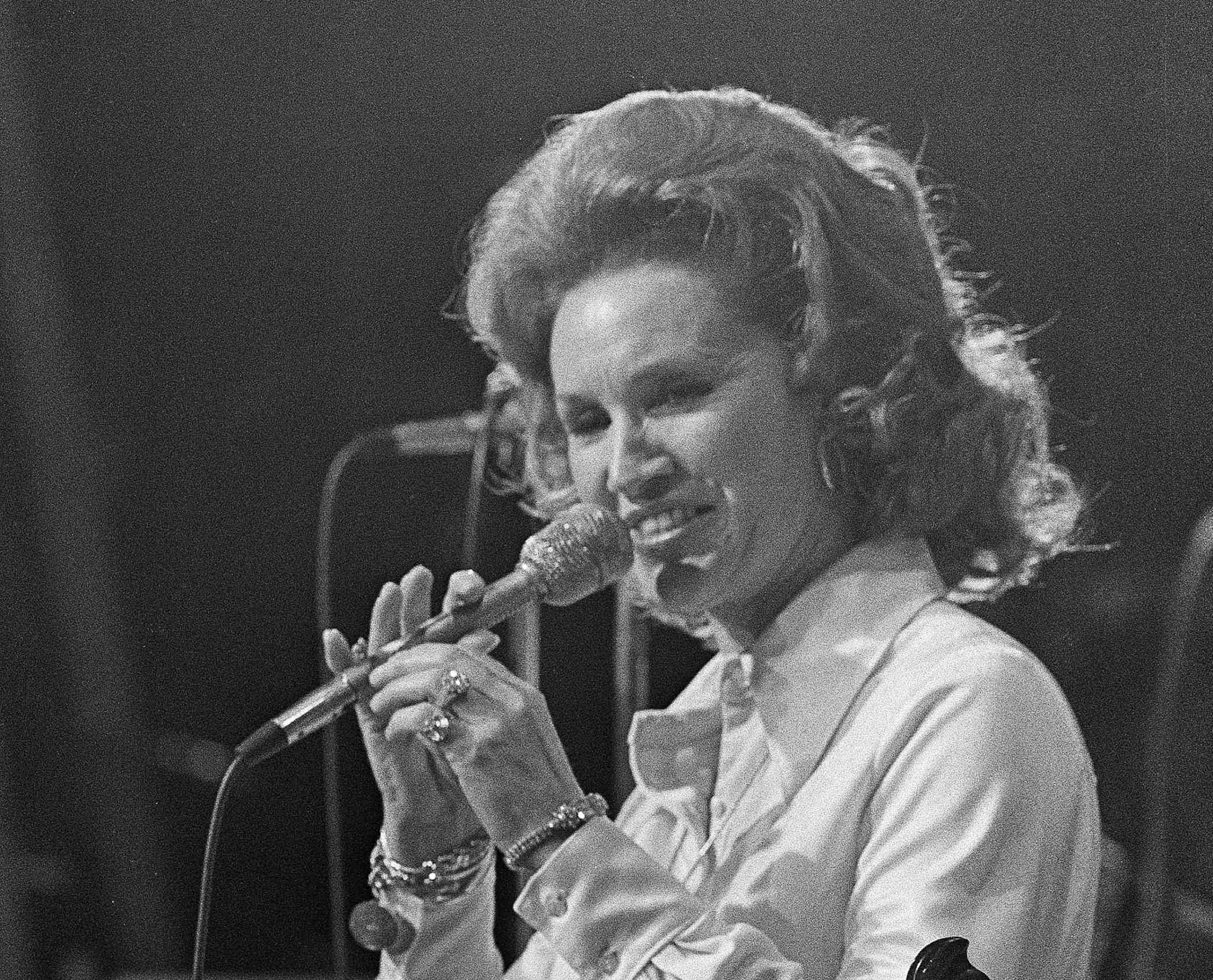 Country singer Jan Howard, Grand Ole Opry member for 49 years, dies at 91