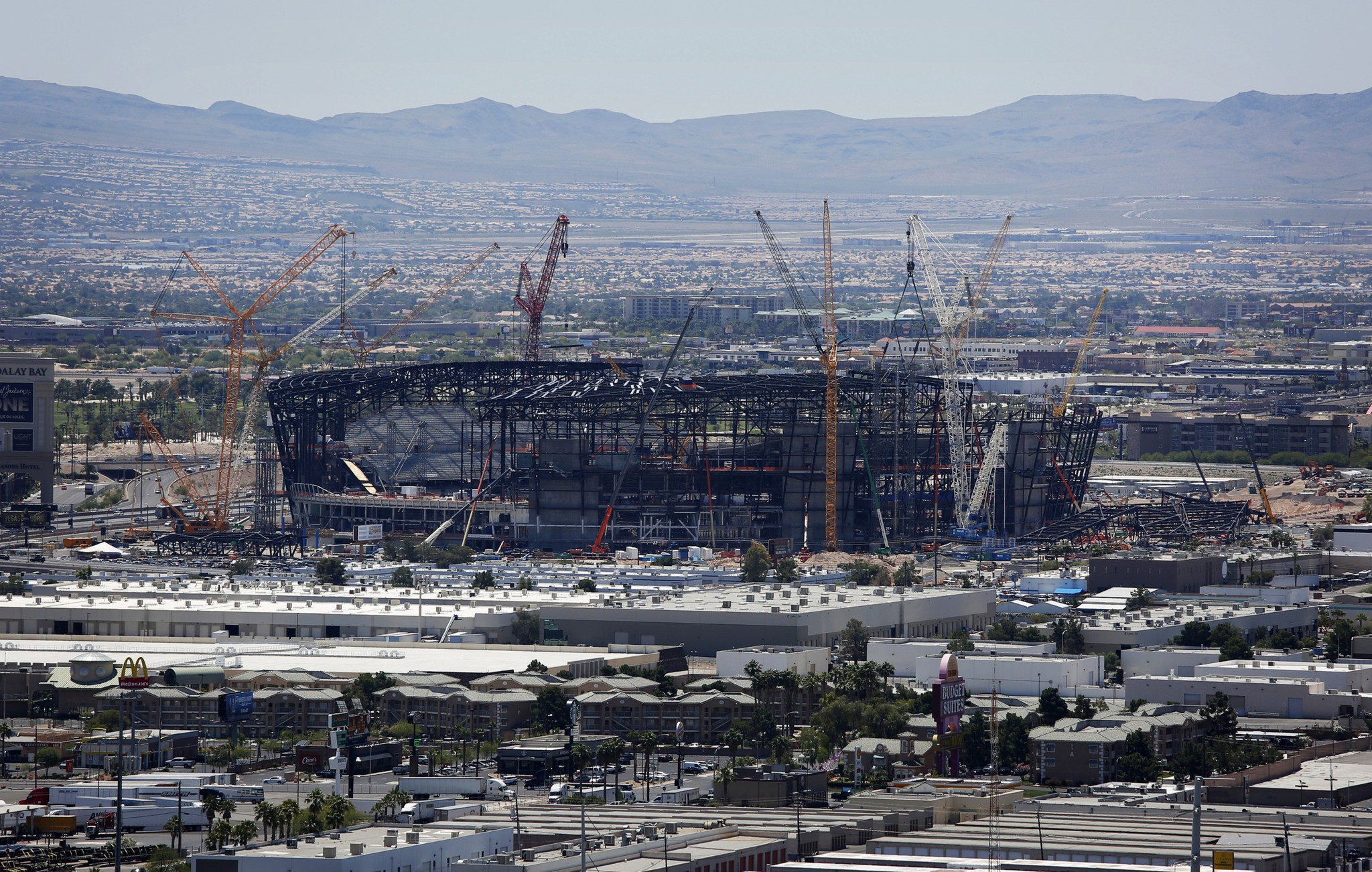 NFL stadium construction continues as workers get coronavirus