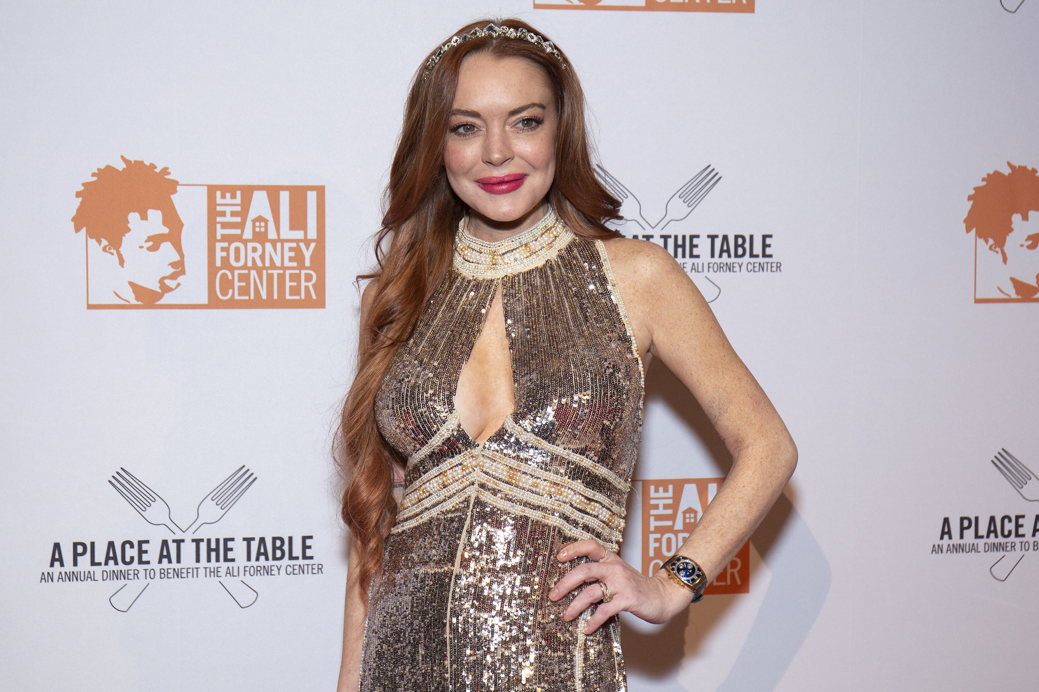 Lindsay Lohan announces 'I'm 'back' but no one knows with what
