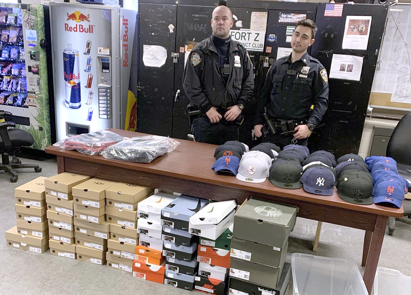 Cops bust thieves trying to steal dozens of shoes and baseball caps from closed Brooklyn Foot Locker