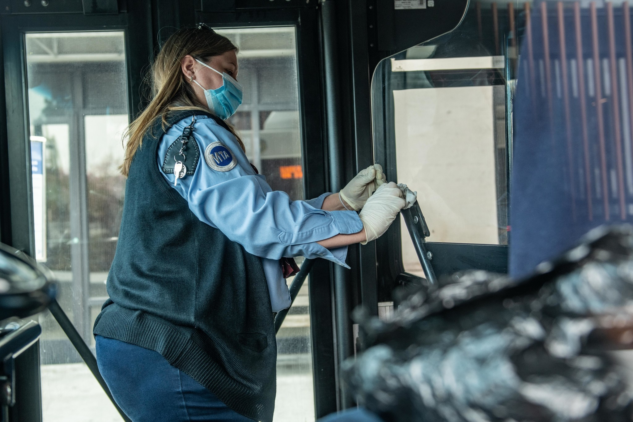 NYC transit workers to receive nearly 250,000 N95 masks to protect against coronavirus