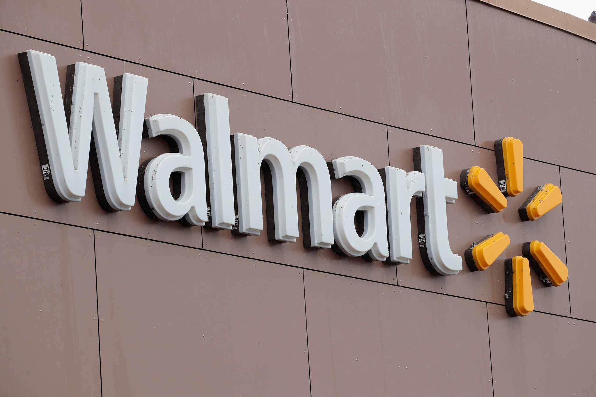Two Walmart workers at same store die of coronavirus