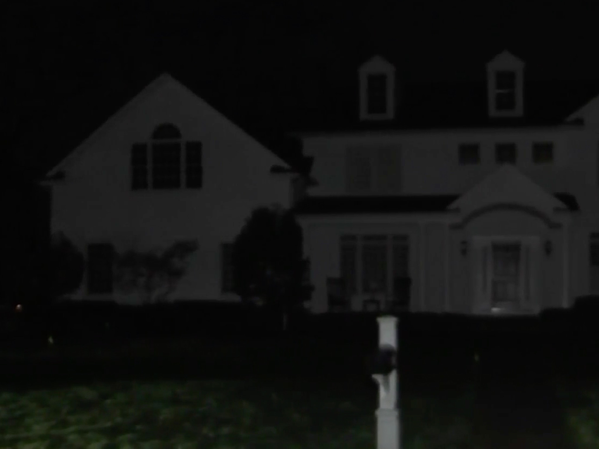 Homeowner charged over Pink Floyd performance on front lawn in New Jersey: authorities