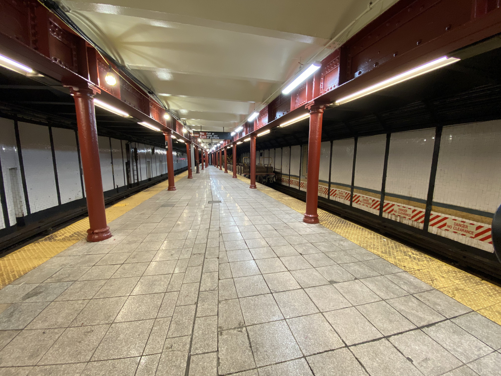 MTA reopens Harlem subway station 10 days after tragic fire