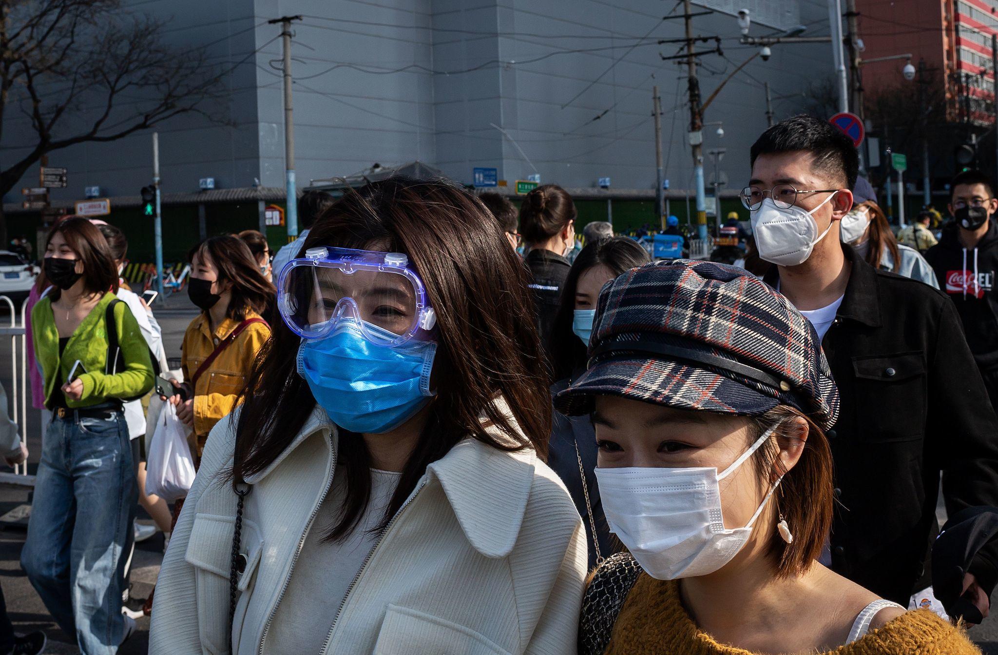China ends coronavirus lockdown, massive crowds converge upon destination spots