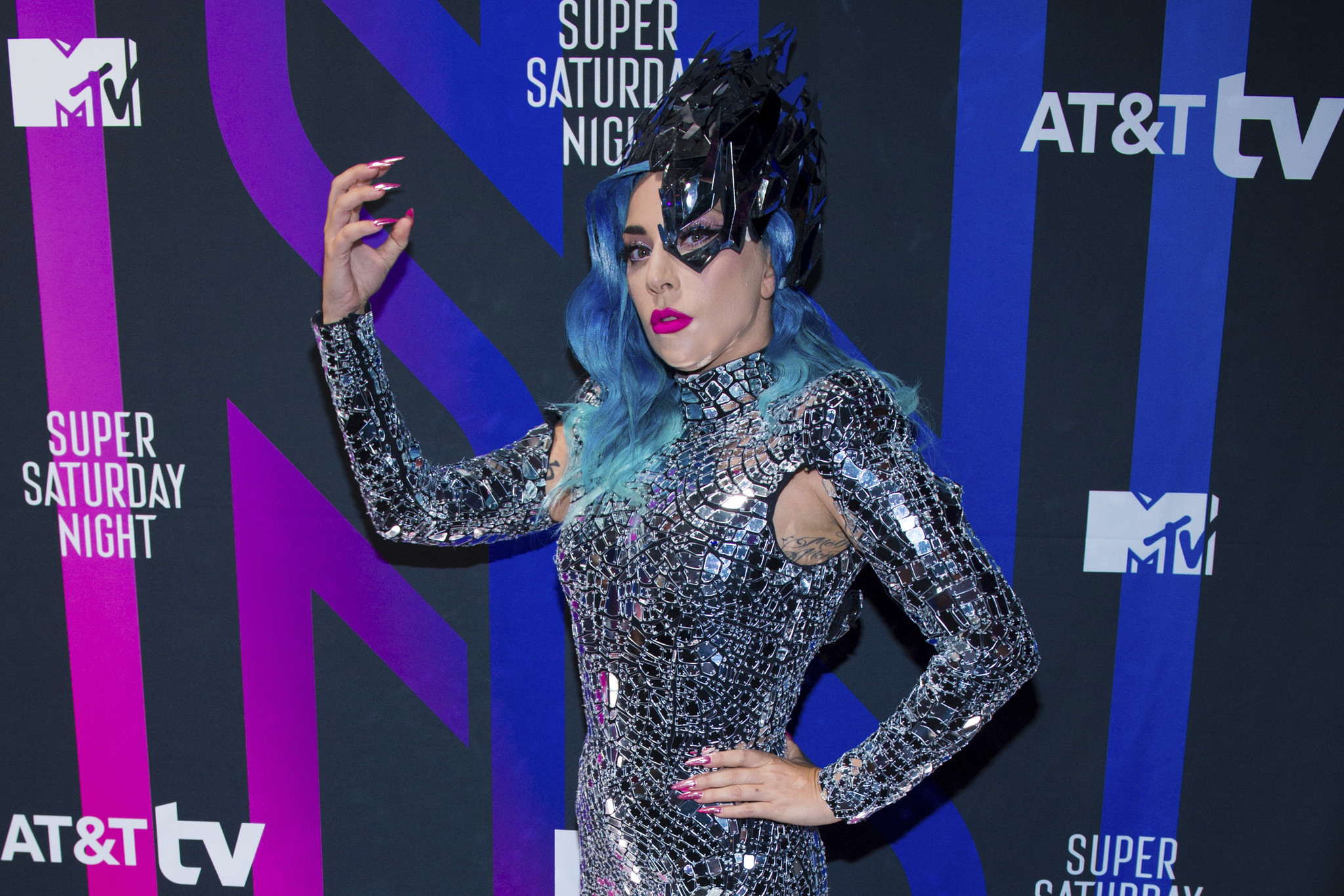 Lady Gaga 'so sorry' to Jimmy Fallon after awkward interview mishap