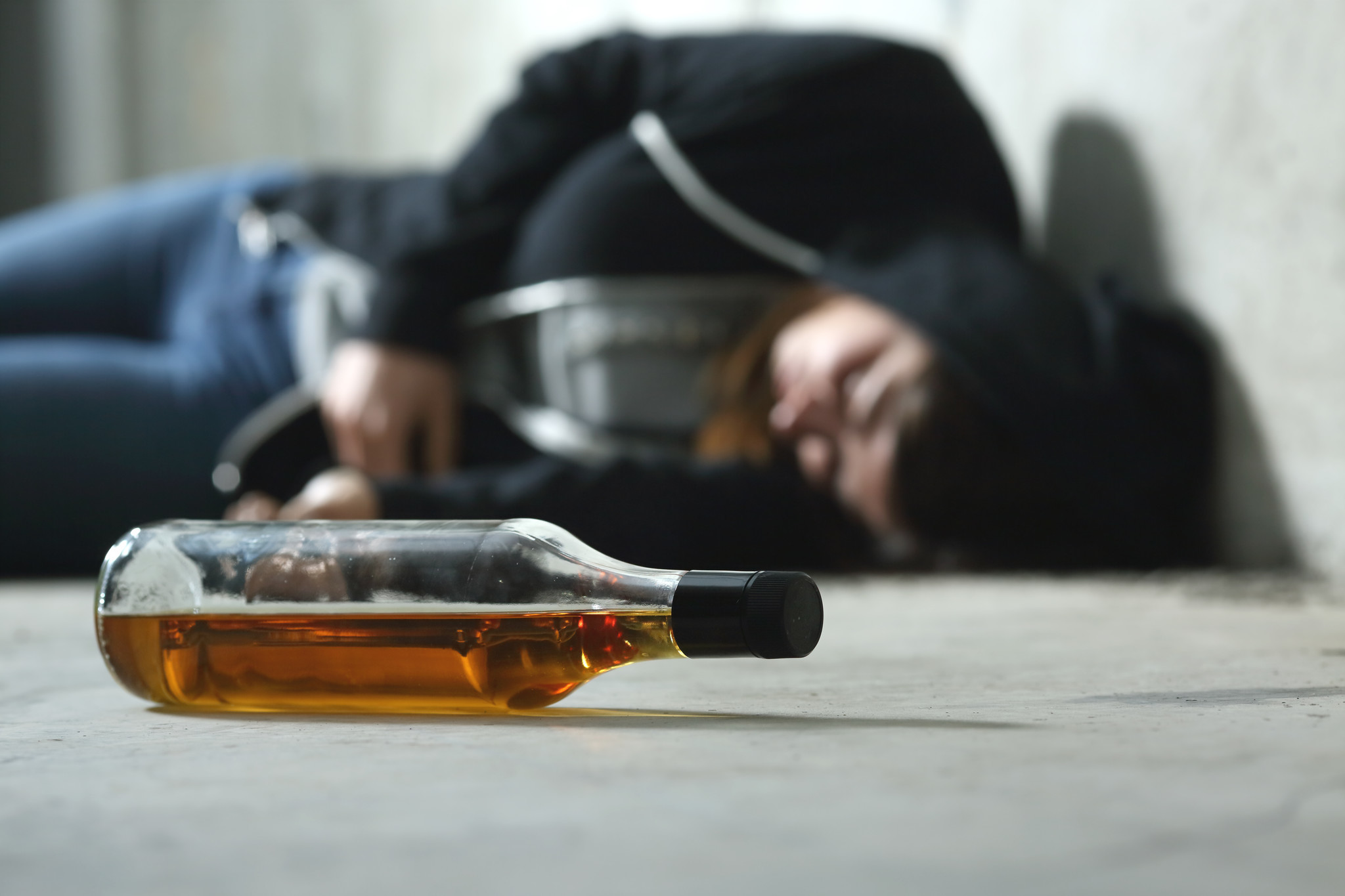 Man posts up at New Haven restaurant amid lockdown, sleeping and drinking the booze